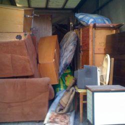 Заказать вывоз старой мебели из квартиры